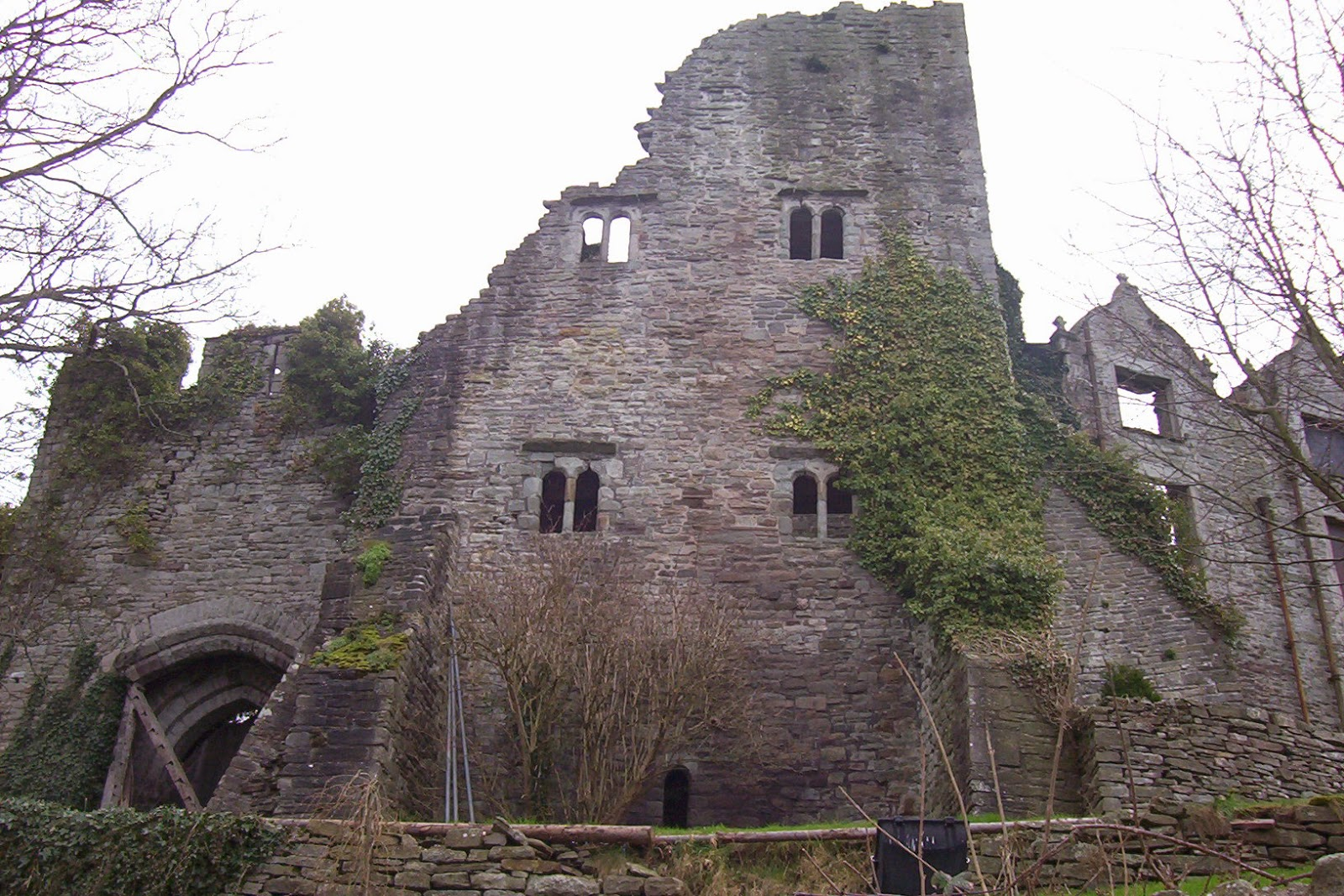 hay castle in hay on wye is one of the last surviving castles of the welsh marches built for defense by william de braose in the late twelfth century - Single Wall Castle 2015