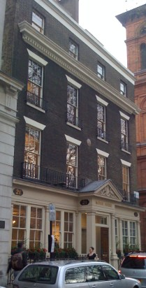 manor_house_21_soho_square_nancy