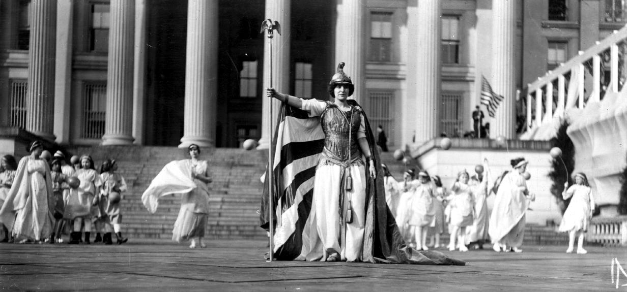 Suffrage_pageant_Washington_1913